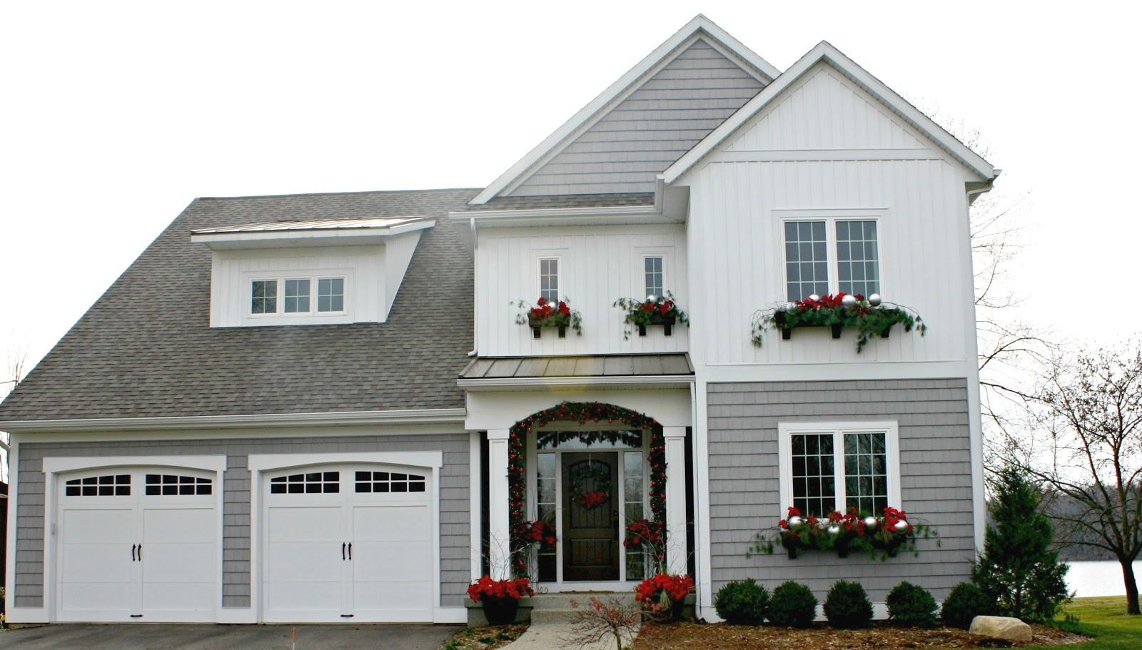 Holiday home tour the lilypad cottage for House ornaments exterior