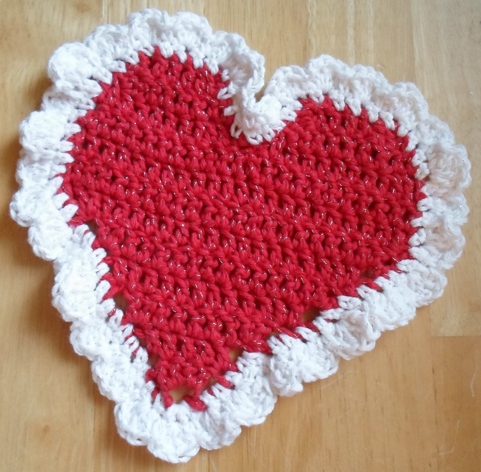 Crochet A Heart : Crochet Heart Dish Cloth-Project #2