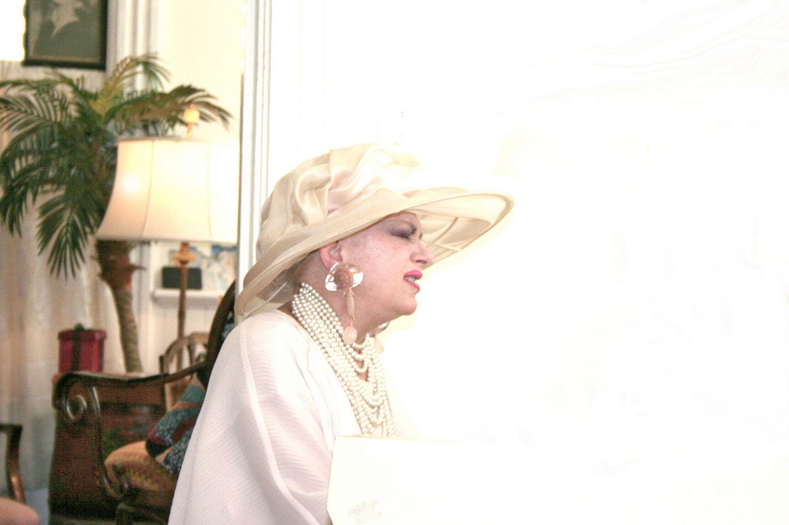 http://4.bp.blogspot.com/-AkfplIIMnuA/TZ8DnrZ9CpI/AAAAAAAACD4/Do_TSBoDlYQ/s1600/Diana+Rogers.jpg