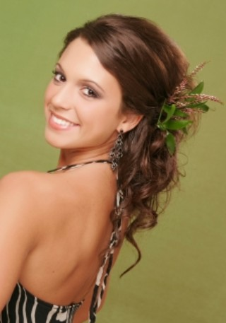 Trend Bridesmaid Hairstyle 6