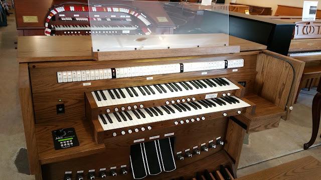Allen AP-18 church organ - front