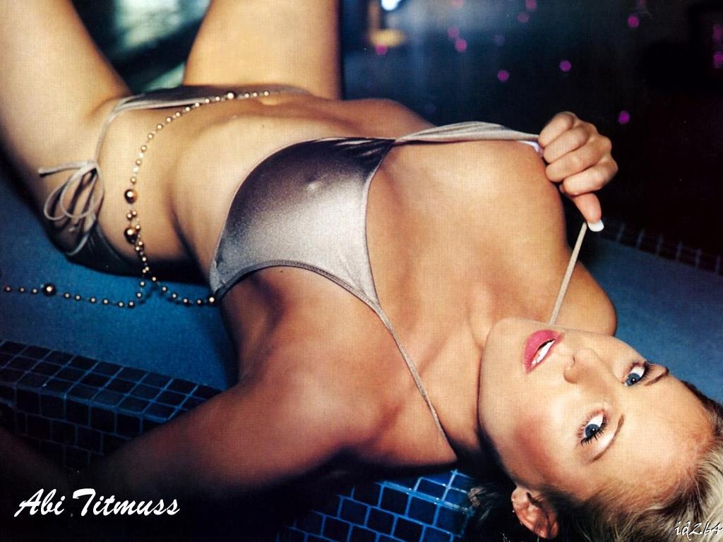 http://4.bp.blogspot.com/-Aku-lROHdiU/TeqEBPrIoaI/AAAAAAAAAhU/-Zr7jjPbJpA/s1600/Bikini+wows+%252835%2529.jpg