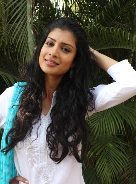 Tina Desai Amp Nil Nitin At Dussehra Movie Song Shoot