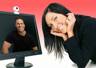 общаться с девушкой в интернет по вебке