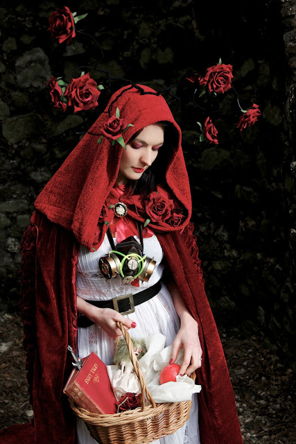 mystic magic, photo shoot, fashion, couture, couture fashion, fairytale, enchanted, brothers grimm, red riding hood, photography, photo, grunge, grunge photography, gothic, gothic photography, gothic fairytale, red, vintage photography, roses, steampunk, mask, masquerade, costume, creative photography,