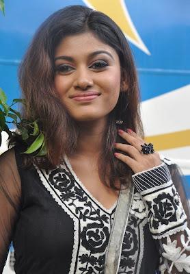 oviya at kalakalappu (masala cafe) audio launch shoot unseen pics