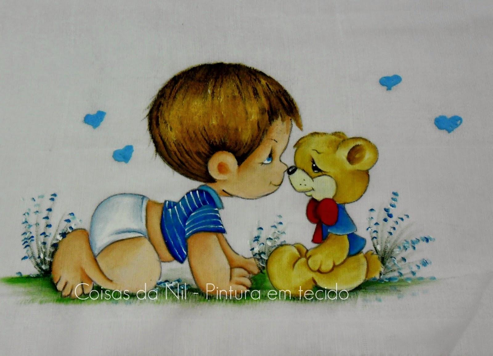 fralda pintada com menino da turma dos Preciosos Momentos e ursinho