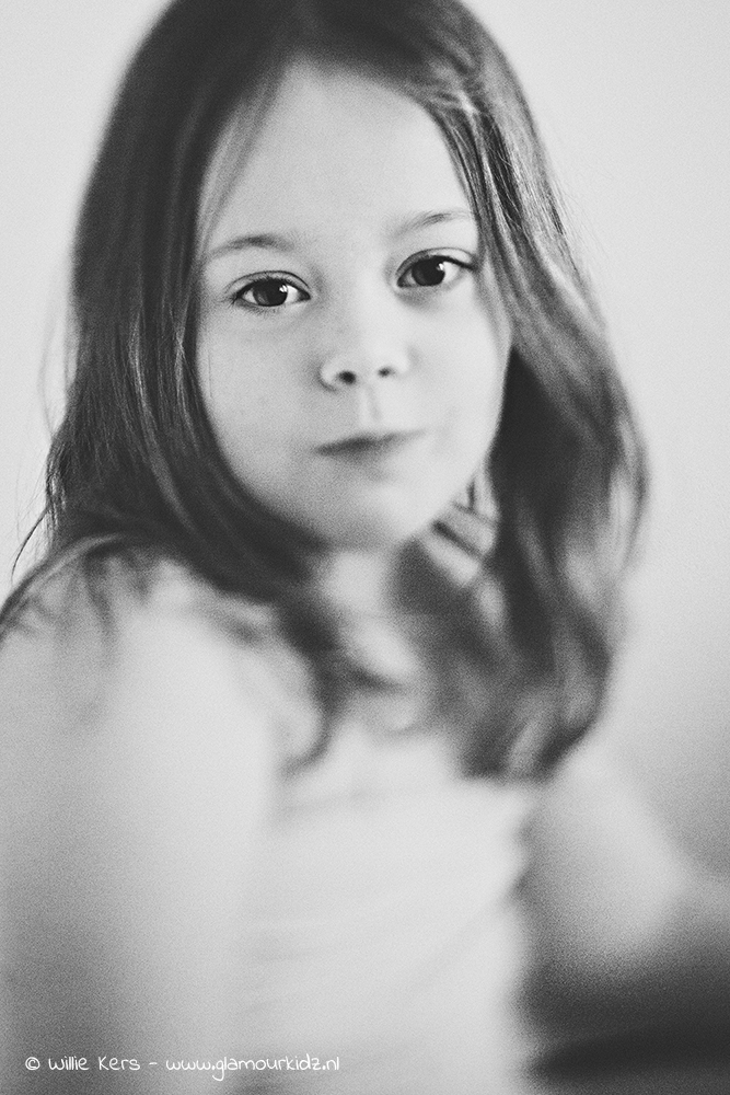 fine art Lensbaby portrait in black and white edge 80 of a girl