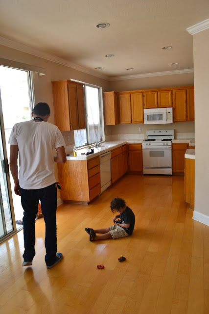 Queen Of Kings How To Paint Your Oak Kitchen Cabinets