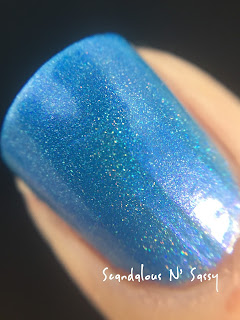 Darling Diva Polish A-firrmative Hug My Face Collection (Alien inspired) macro