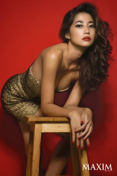 galeri foto adelia rasya di majalah maxim indonesia