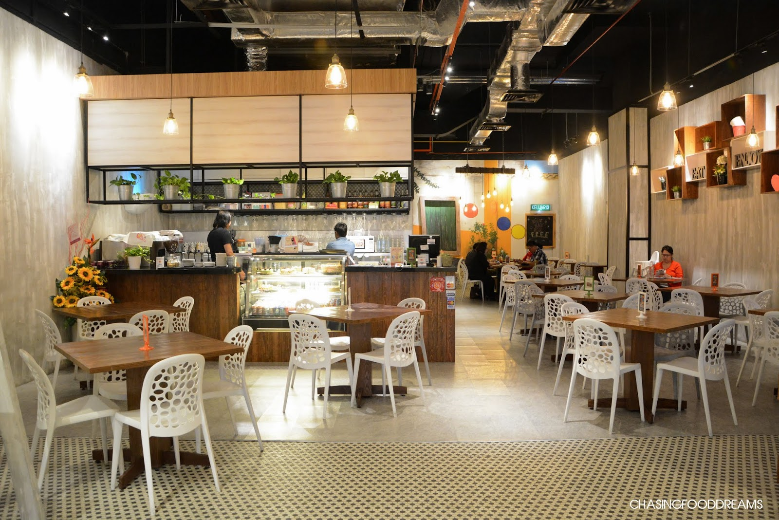 Chasing food dreams: nosh up @ the atria shopping gallery