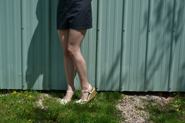 Flashback Summer:  Cutie Shorts and Finally-Arrived Spring! (simplicity 1093, butterick 9779)