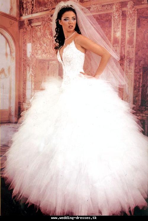 Wholesale Wedding Dresses | Fashion World Magazine