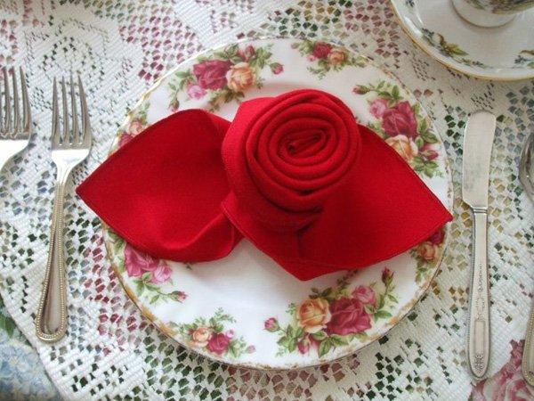 35 formas de usar Guardanapos para dar um toque de charme a decoração de sua mesa