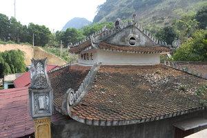Thác Cái temple