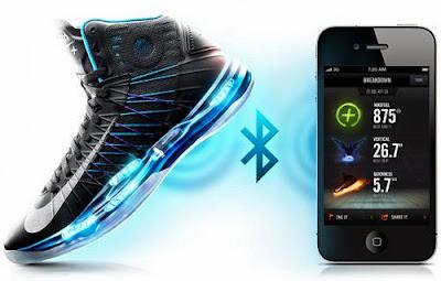 Nike Hyperdunk + gadget