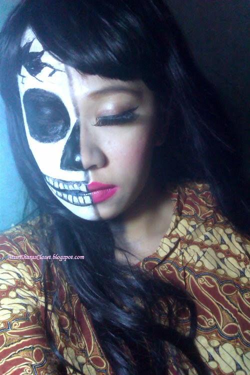 Halloween Makeup Inspiration: Half Skull Face Makeup