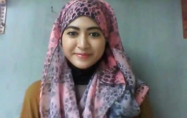 Tutorial Hijab Pashmina Persegi Panjang Dengan Motif Cantik Modis By Natasha Farani
