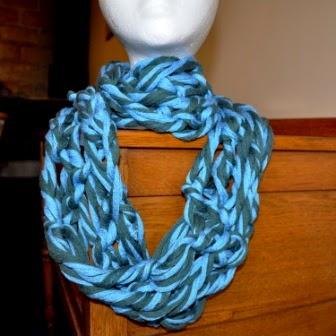 arm knitting infinity scarf