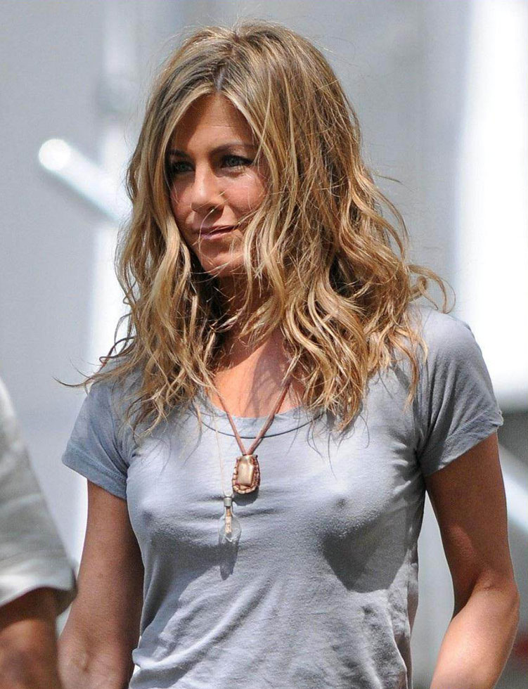 Jennifer Aniston Nipple See Through