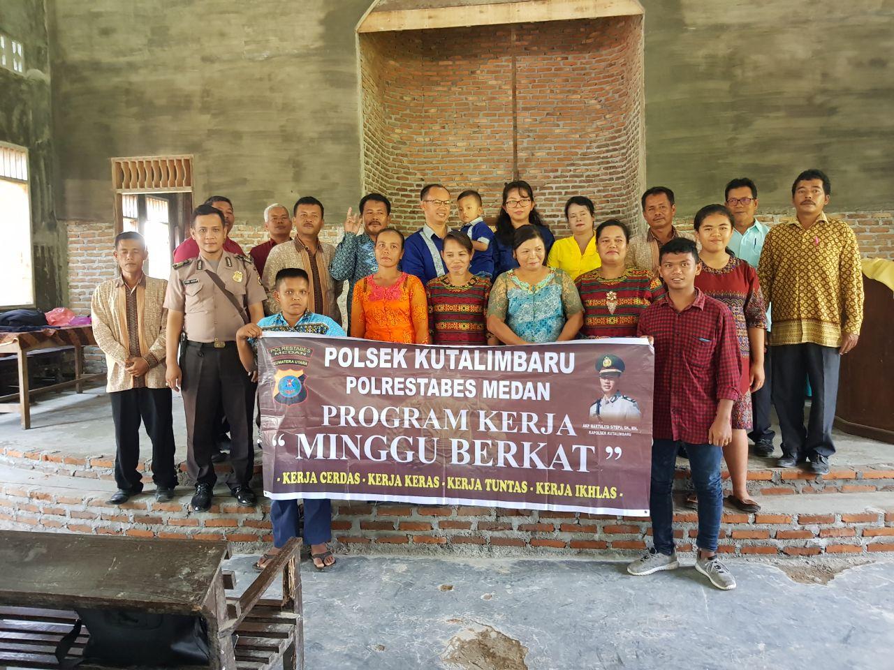 Kapolsek Kutalimbaru Ajak Masyarakat Beribadah Bersama