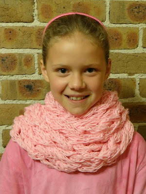 Cook Quilt Crochet: Finger Knitting to Arm Knitting Scarf