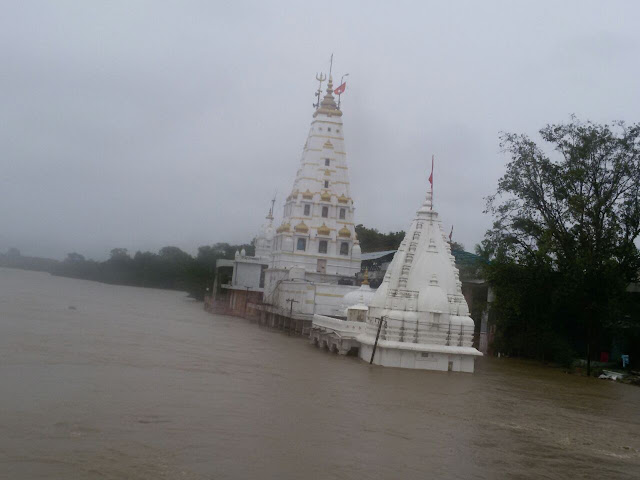 pashupatinath-temple-mandsour-मन्दसौर पशुपतिनाथ मंदिर जलमग्न
