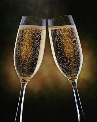brindis con 2 copas de Champagne