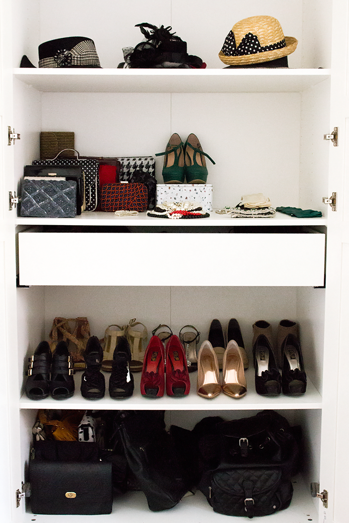 Vintage Fashion Blogger Red Sonja Wardrobe. Closet from IKEA.