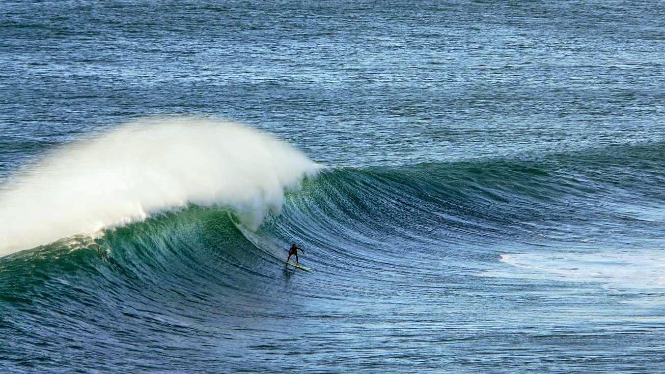 surfing menakoz 42