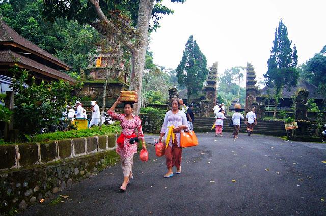entrada al templo Luhur Batukau