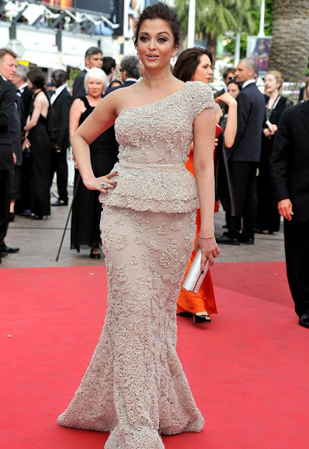 aishwarya rai hot sexy pics photos walks red carpet cannes festival 2011