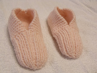 Learn to knit these slippers
