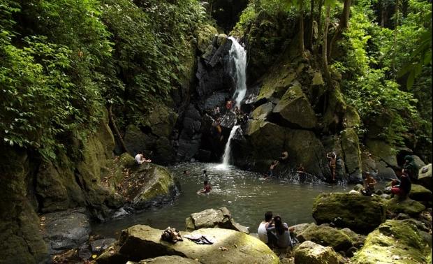 Air Terjun Pria Laot Tujuan Utama Wisata Asing di Pulau Sabang
