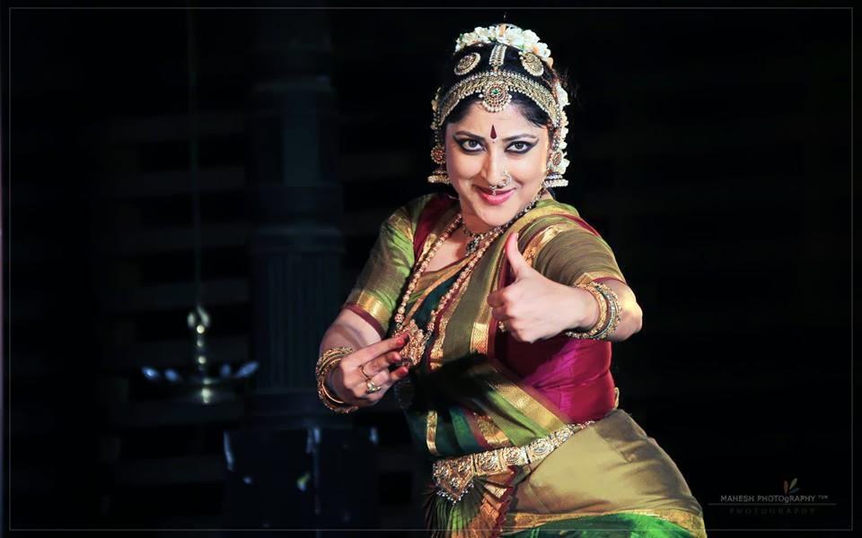 Lakshmi Gopalaswami: Redwine Malayalam: Lakshmi Gopalaswami Hot Dance