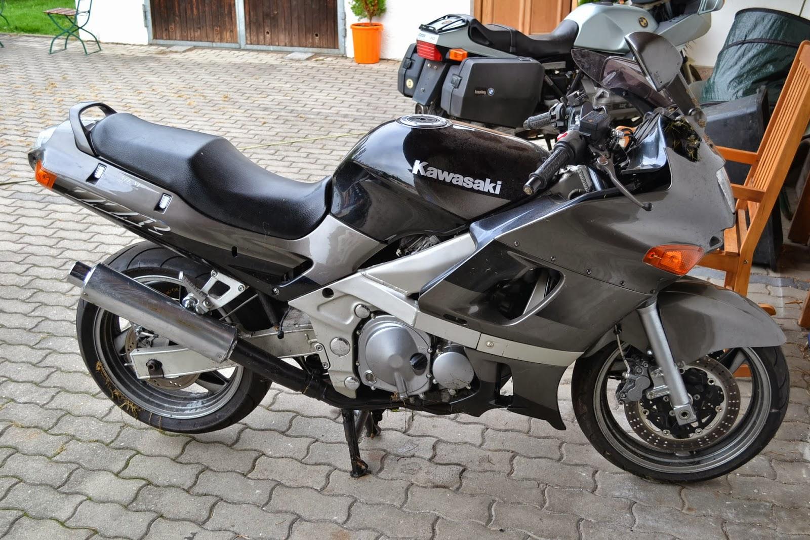 gebrauchte motorradteile schraubertipps neuer teiletr ger kawasaki zzr 600. Black Bedroom Furniture Sets. Home Design Ideas