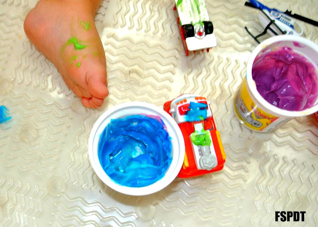 "Pudding ""paint"" in the bath tub: Fun Sensory Paint Activity"