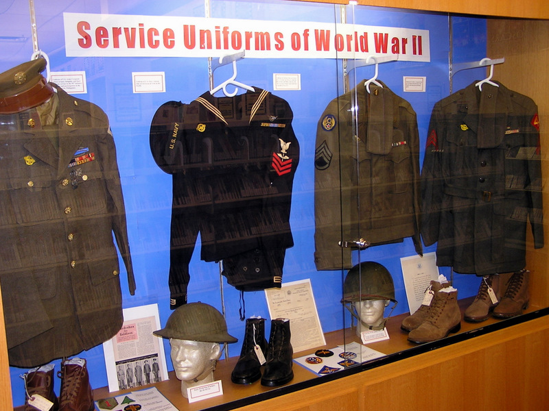 Uniforms of wwii l r army navy army air force and marine corps