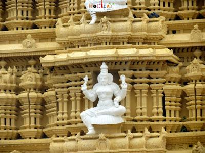 Chamundeshwari temple shakti peetha