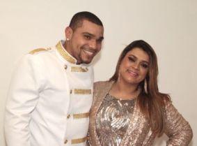 Naldo canta com Preta Gil