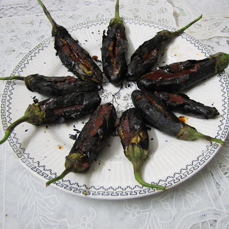 Perfect to have on any lazy day when we dont want to be in the kitchen for too long Spicy Smoked Brinjal for a Lazy Day