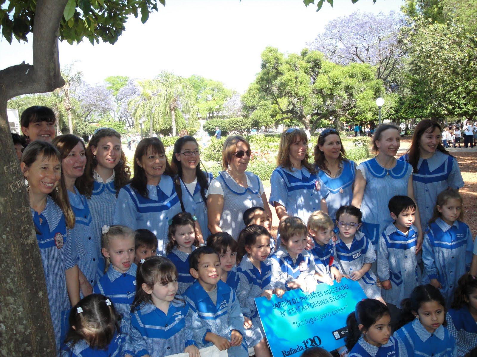 Jard n de infantes nucleado n 152 alfonsina storni for Azul naranja jardin de infantes