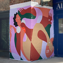 Liz Flores @lizitto Women Pushing Boundaries mural art at Soho House corners.