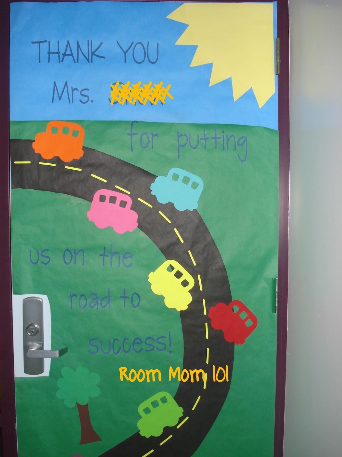 Room mom 101 door decorations using cars for Back to school door decoration