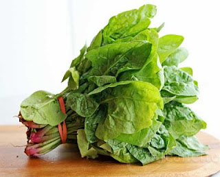 """<img src=""""espinacas.jpg"""" alt=""""las espinacas son verduras de hoja de verde que proporcionan mucha vitamina a, hierro, potasio y calcio"""">"""