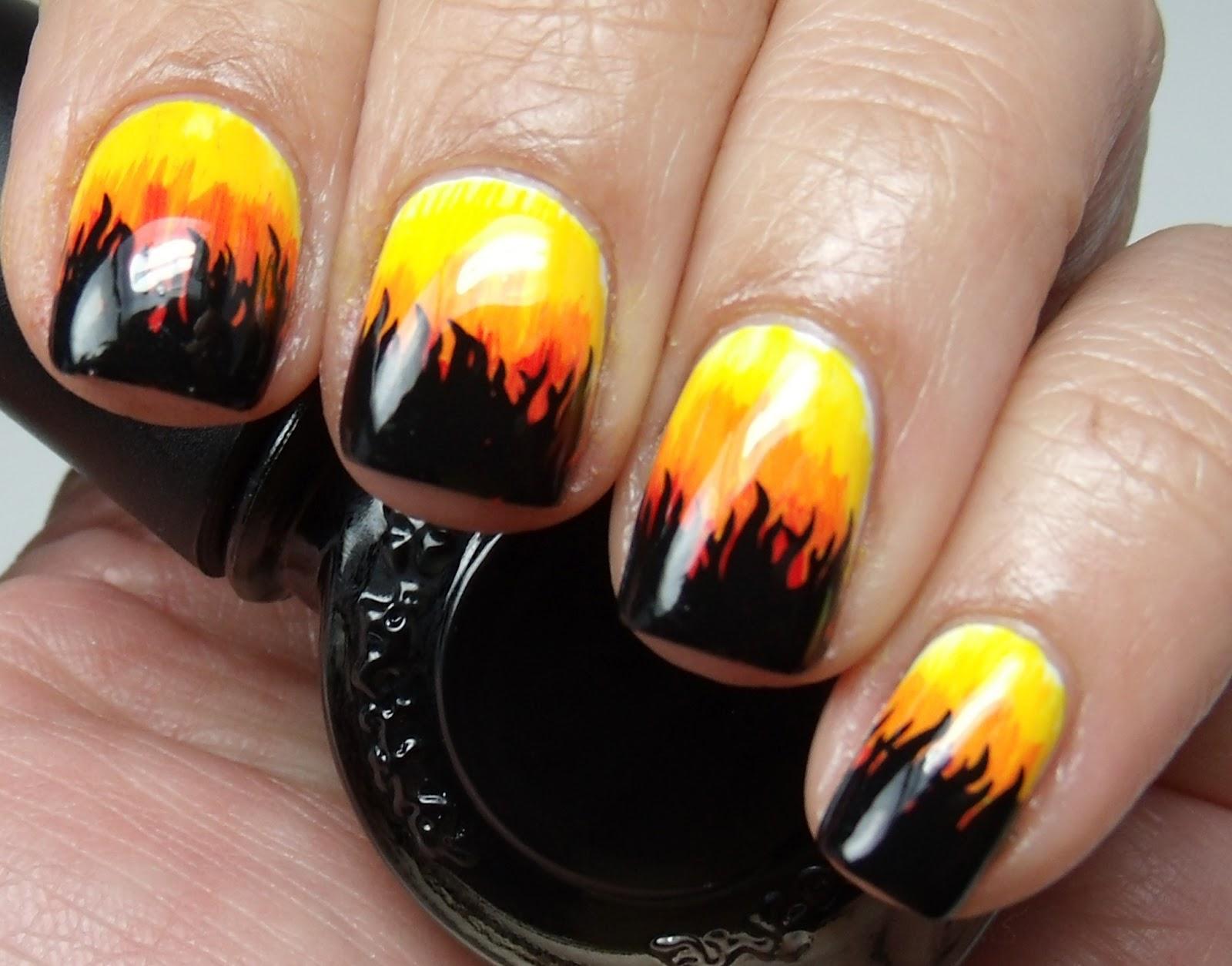 Colores de Carol: Nails on Fire!