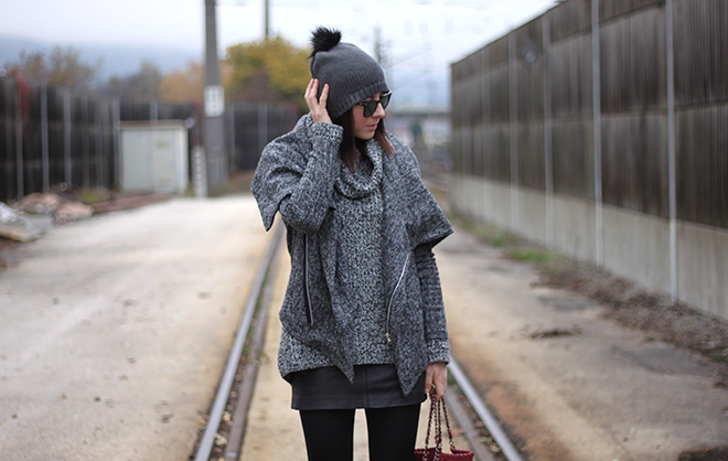 outfit-trend-fashionblogger-bommelme-sheinside-jacke-lederrock-stiefeletten-stiefel-mango-strickpullover-hm-falabella-stellamccartney