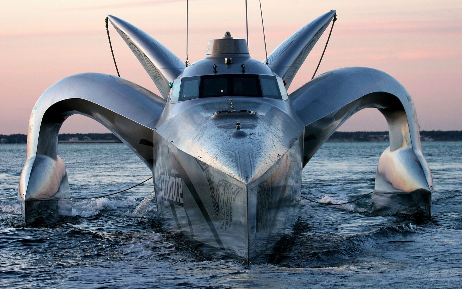 http://4.bp.blogspot.com/-ArUjxHA5Z98/UJawlzYkzjI/AAAAAAAAA_A/iBRQFuV9PaM/s1600/HighTech_Stealth_Yacht_EARTHRACE.jpg