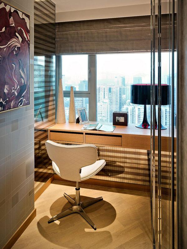 un dormitorio principal y una sala de estudio. Todos los interiores, con excepción de la cocina y baños, se definen por detalles en madera y regalan la